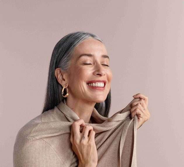 Renner lanza una colección de básicos que apuesta a la moda responsable